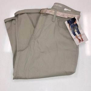 Riders by Lee size 10 mid rise capris w/belt NWT
